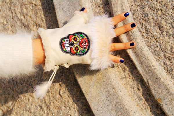Skull  Winter Embroidery Gloves