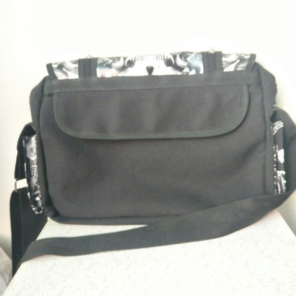 Skulls Roses Black & White Waterproof Shoulder Cross Bag