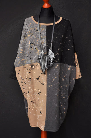 Splatter sweater dress Peach/Black