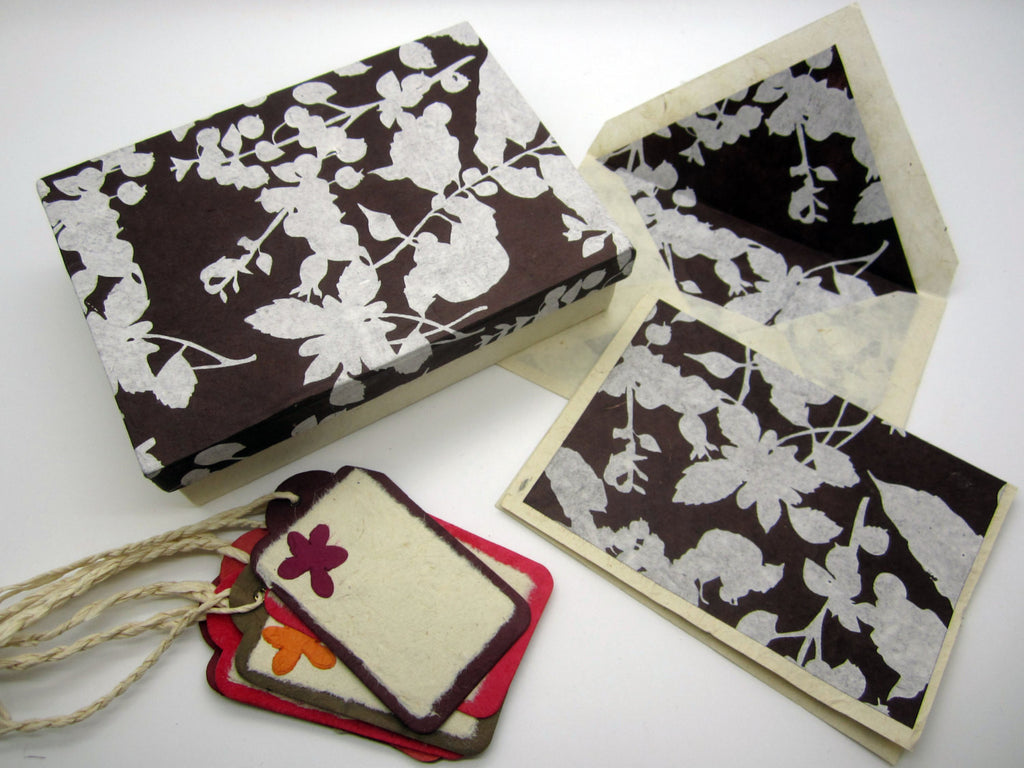 Card Gift Set and Box, 15 Cards 15 Envelopes, Brown White Floral Flower Pattern, Lokta Paper, Letter Writing, Handmade, Boxed Gift Card Set