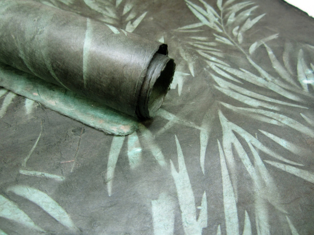 Green Jungle Leaf Design, Handmade Himalayan Nepalese Lokta Paper Sheet, for Gift Wrap, Collage, Scrapbooking 50x75cm