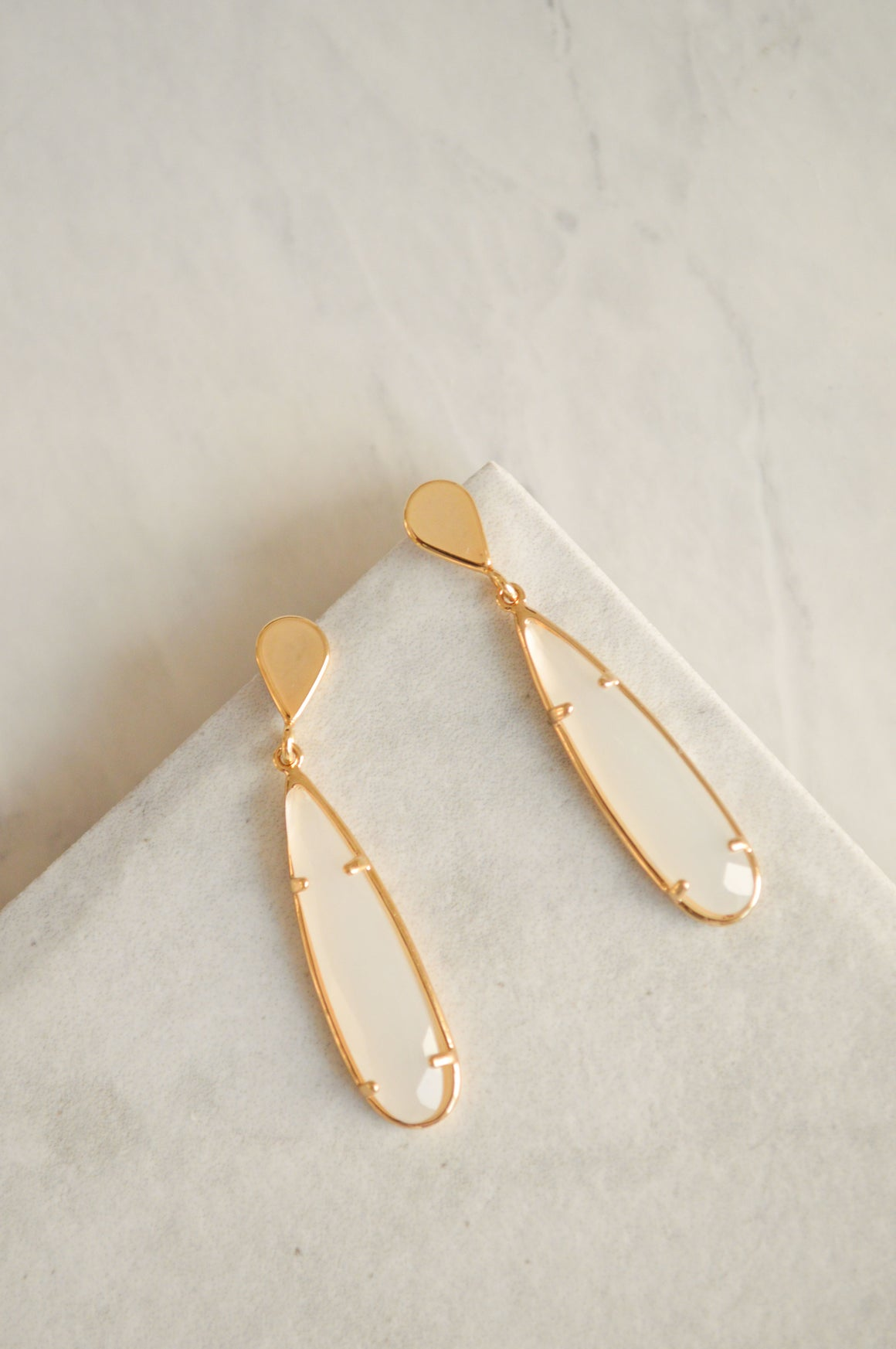 Valora Jewel Drop Earrings | White Smoke