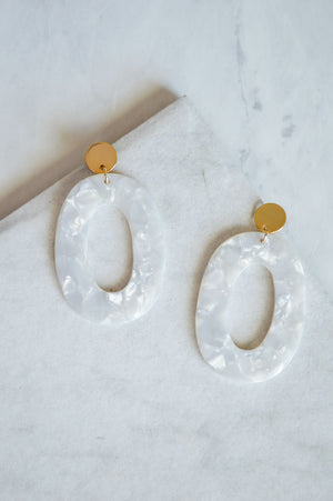 Kosma Resin Drop Earrings | Ivory