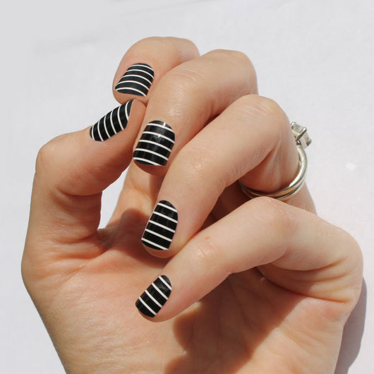Black & White Stripe Nail Wraps