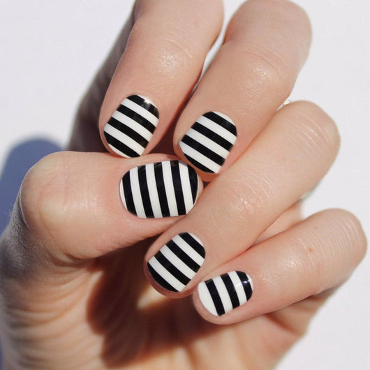 Bold Black Stripes Nail Wraps