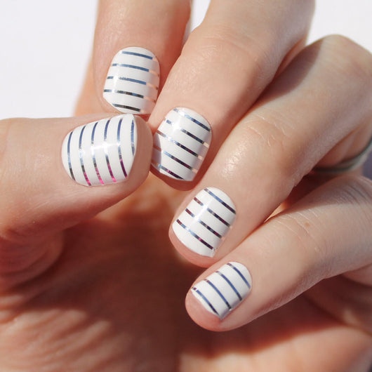 White & Silver Stripe Nail Wraps