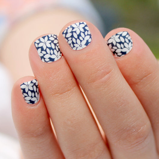 Navy Flower Mini Nail Wraps