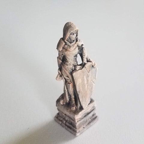 Sandstone Statue D&D Painted Miniatures - Rissa Whalen - Rose and Shadow
