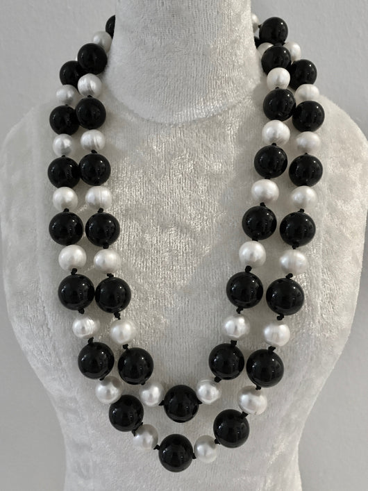 Onyx and Pearl Necklace (2)