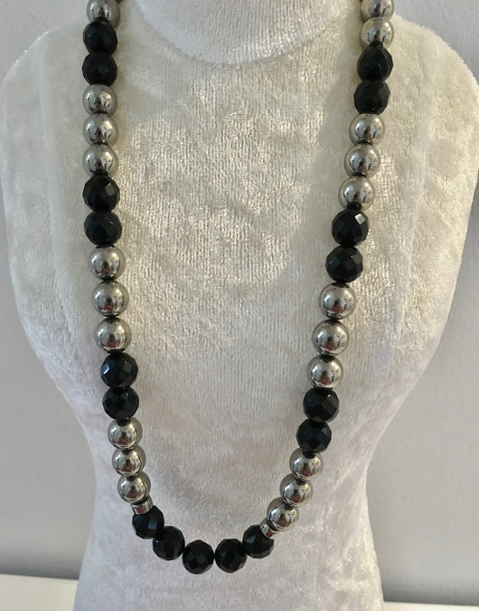 Onyx and Sterling Silver Beads Necklace