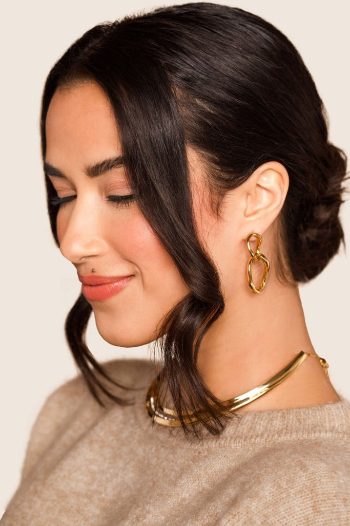 Infini Curb Link Earrings - Gold