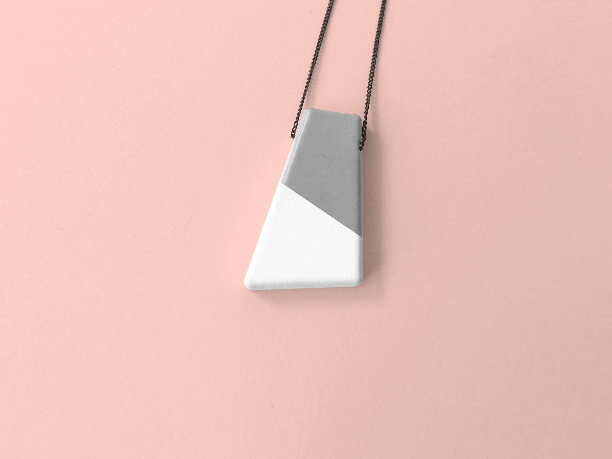 Concrete Necklace - Edge