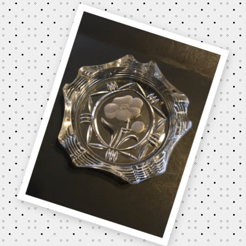 Ashtray Clear Cut Glass Frosted Flower Center Vintage Home Decor Country Decor - JAMsCraftCloset