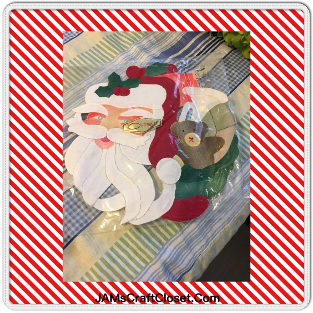 Santa Face Applique Ready for YOUR Pillow or Wall Art Holiday Decor Vintage