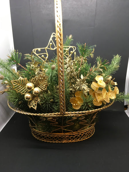 Basket Wire Christmas Vintage Gold Accents Centerpiece Gift Idea Holiday Decor - JAMsCraftCloset