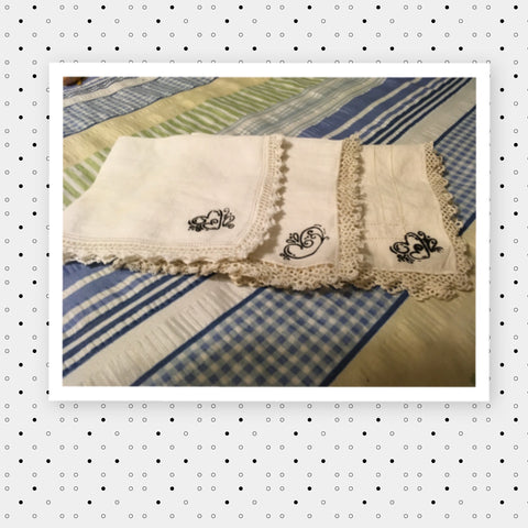 Hankies Handkerchiefs Vintage Off White Heart Set of 3 Gift Idea Hankies Handkerchiefs Hanky Vintage CANADA PENNSYLVANIA CALIFORNIA Gift Idea JAMsCraftCloset