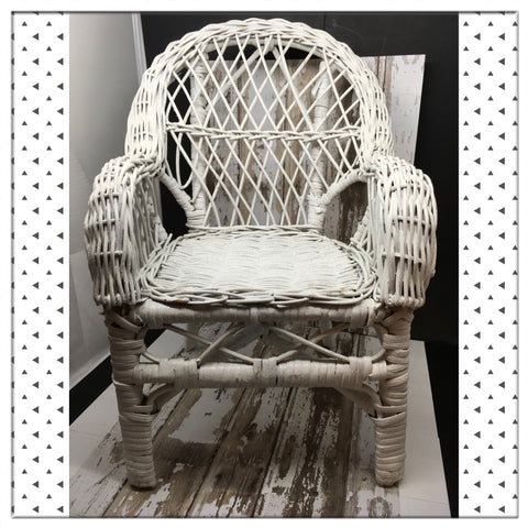 Chair White Wicker Small DOLL Unique Centerpiect Table Decor Storage