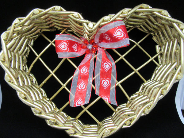 Basket Heart Shaped Vintage Natural - JAMsCraftCloset