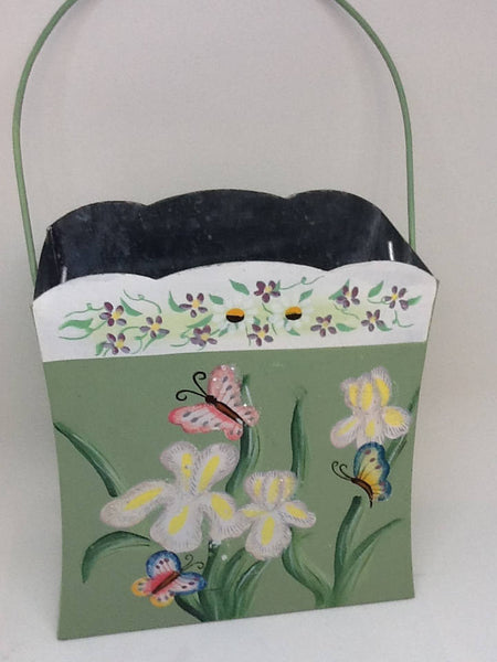 Basket Vintage Tin Spring Flower Basket Scalloped Edges Wire Handle - JAMsCraftCloset