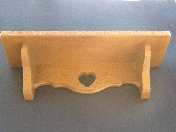 Shelf Burwood Open Heart and Vine Plastic Wall Art - JAMsCraftCloset