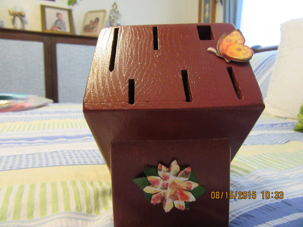 Knife Block With Flower Butterfly Accents Tuscan Red Wooden - JAMsCraftCloset