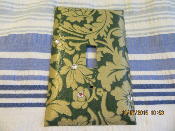 Switchplate Single Green and Gold Design with a Little Bling Plastic - JAMsCraftCloset