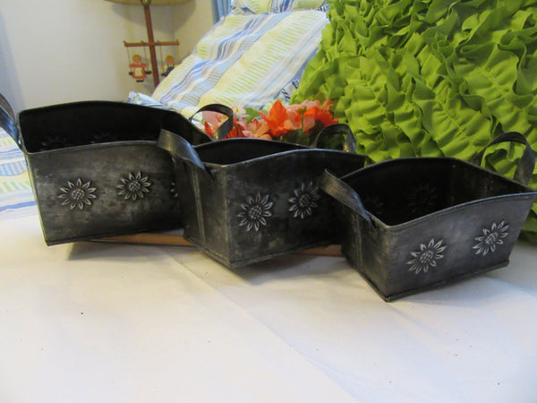 Baskets Embossed Tin Flower Country Vintage Set of 3 - JAMsCraftCloset