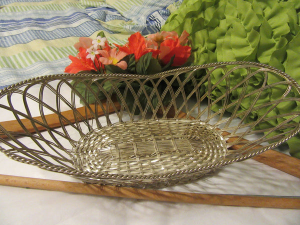Basket Wire Vintage Country Silver Plate Bread Bathroom or Easter Basket - JAMsCraftCloset