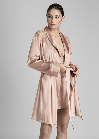 I.D. Sarrieri silk and lace short robe in rose