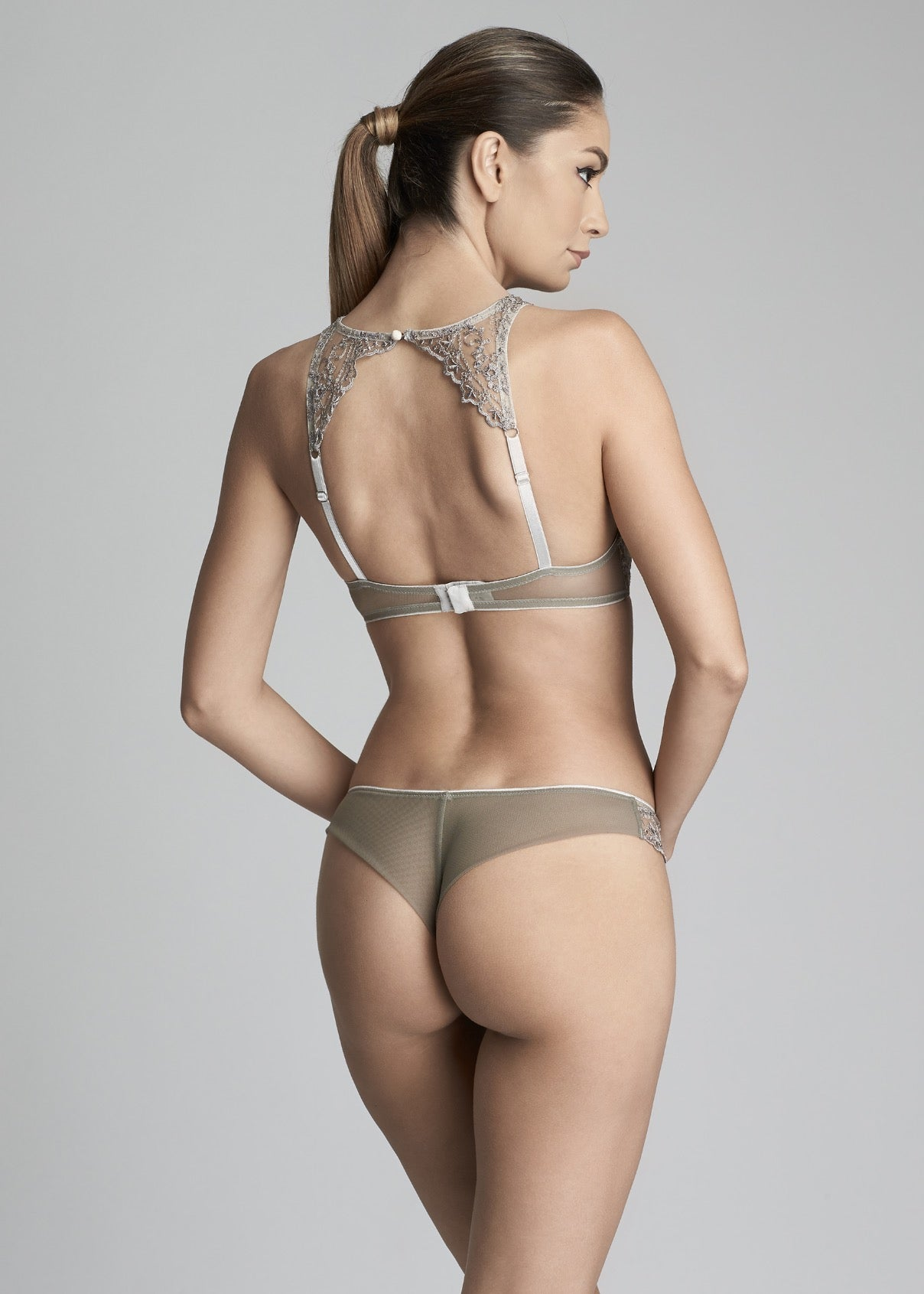 Hollywood Dream Thong in Silver