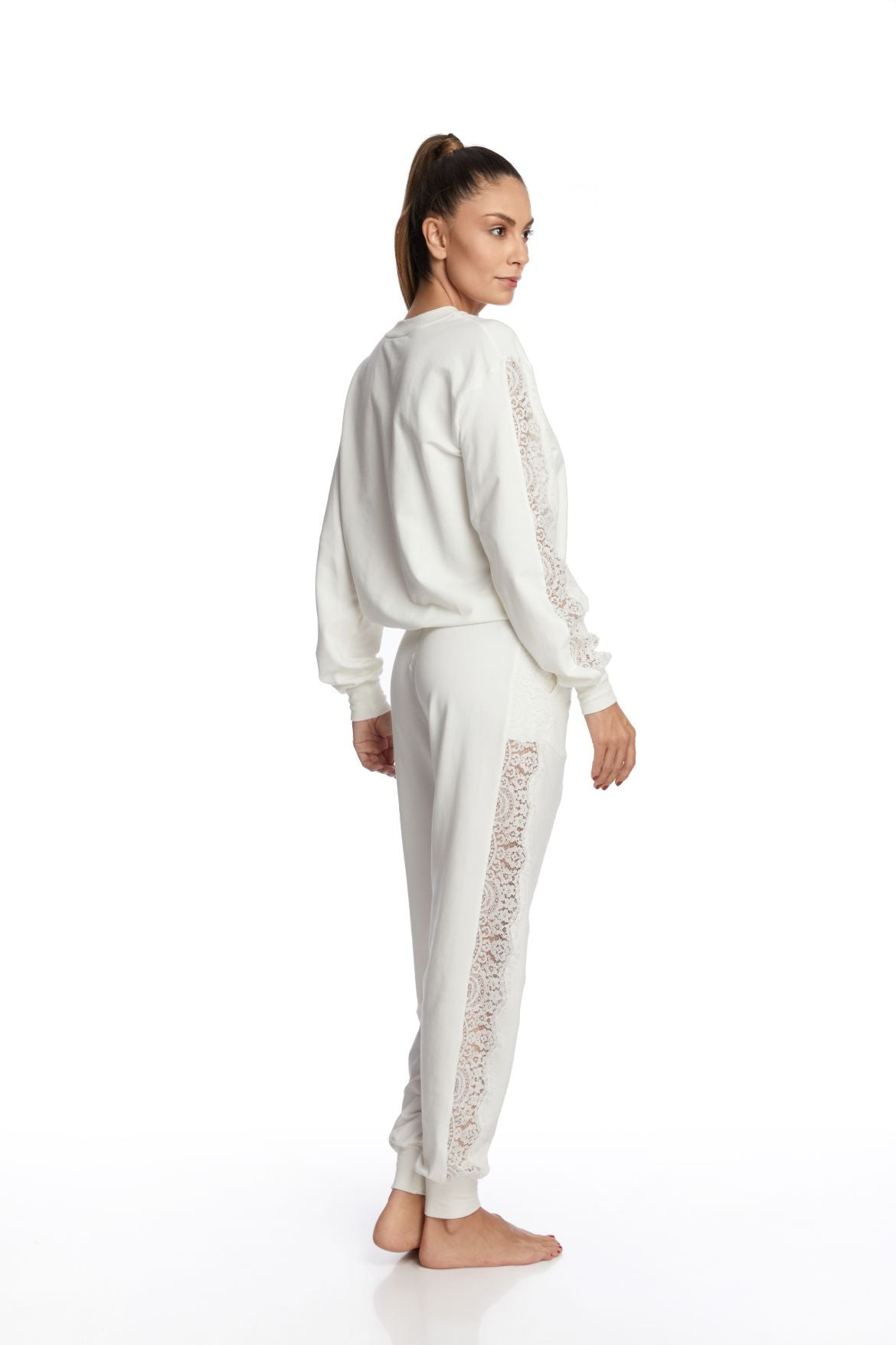 I.D. Sarrieri Modal and lace cream long sleeve loungewear blouse