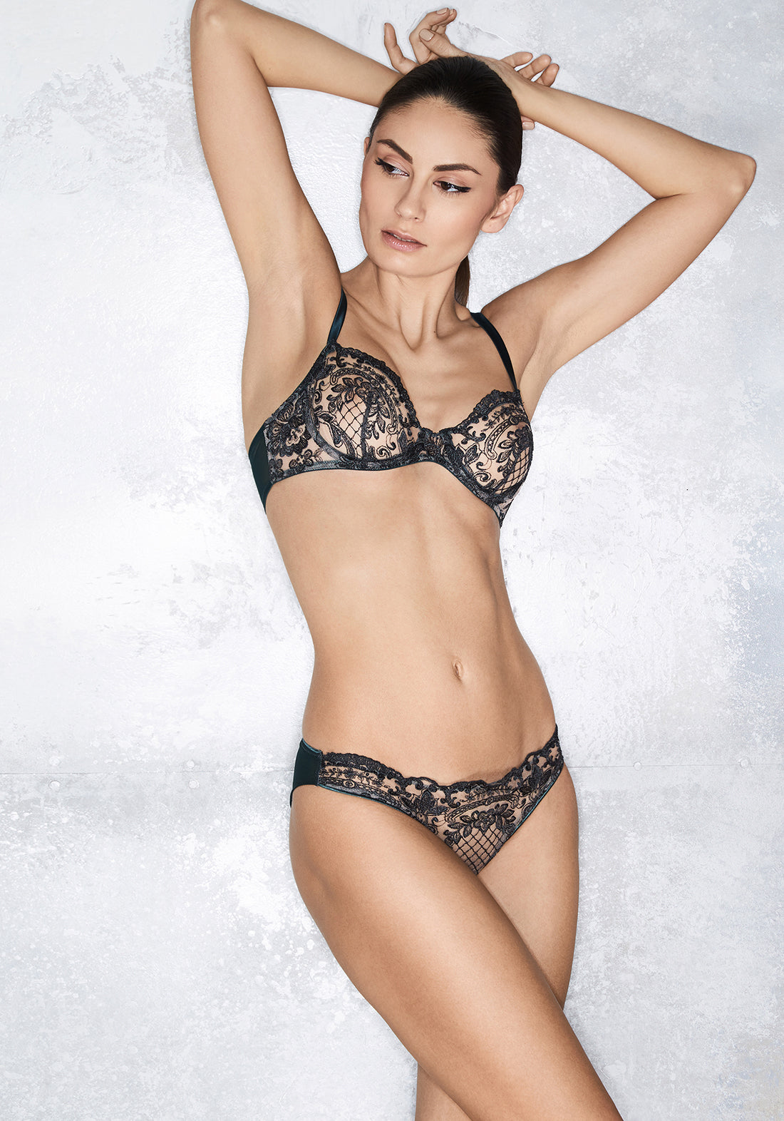 La Reveuse Brazilian Brief With Tulle and Lace in Smokey Green