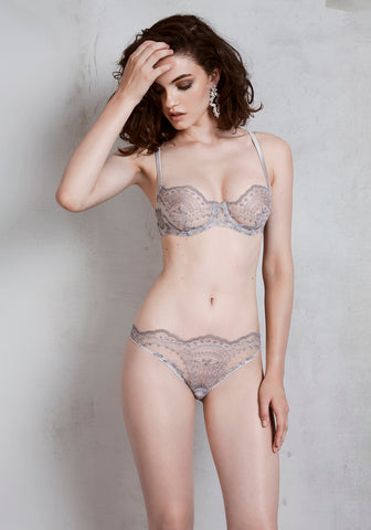 Mystère De Minuit Embroidery Bodysuit in Dark Berry