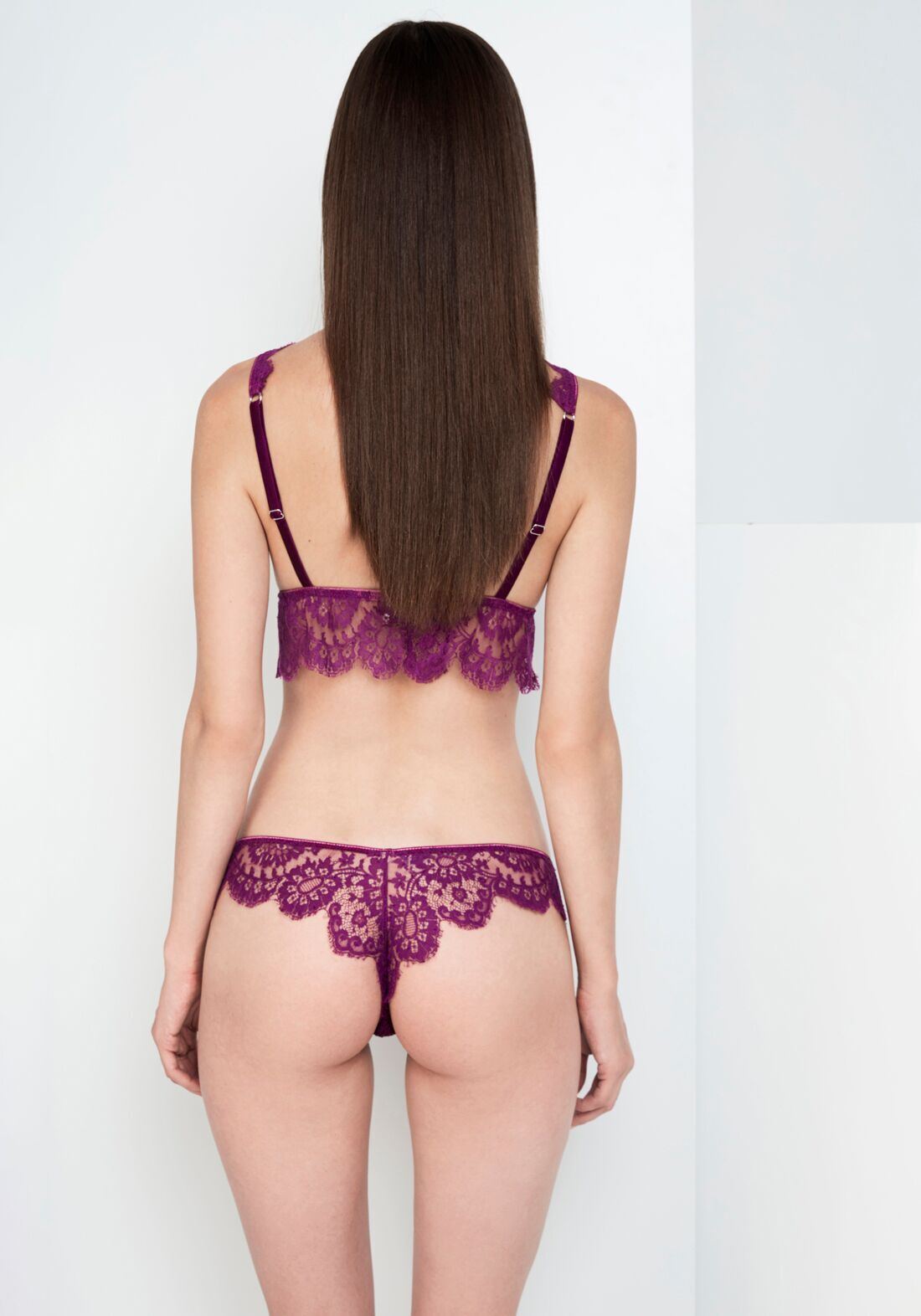 Noir Comme La Robe Lace Thong in Violet Sauvage
