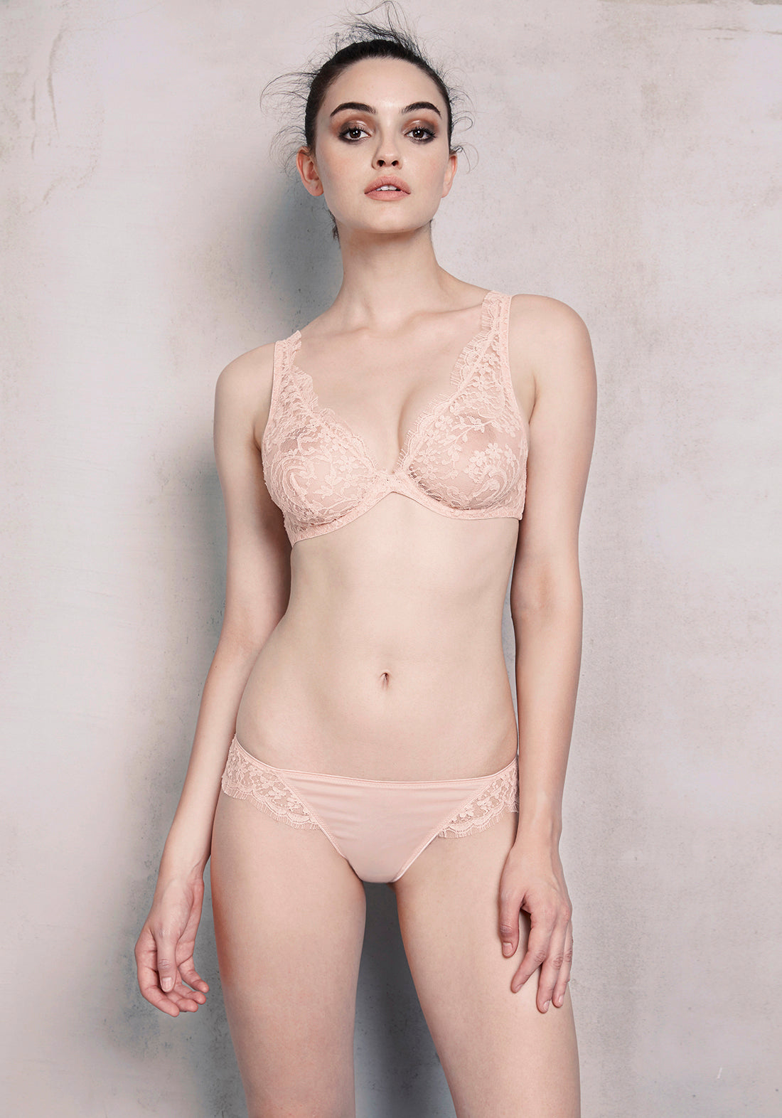Daphne Underwired Triangle Bra in Blush