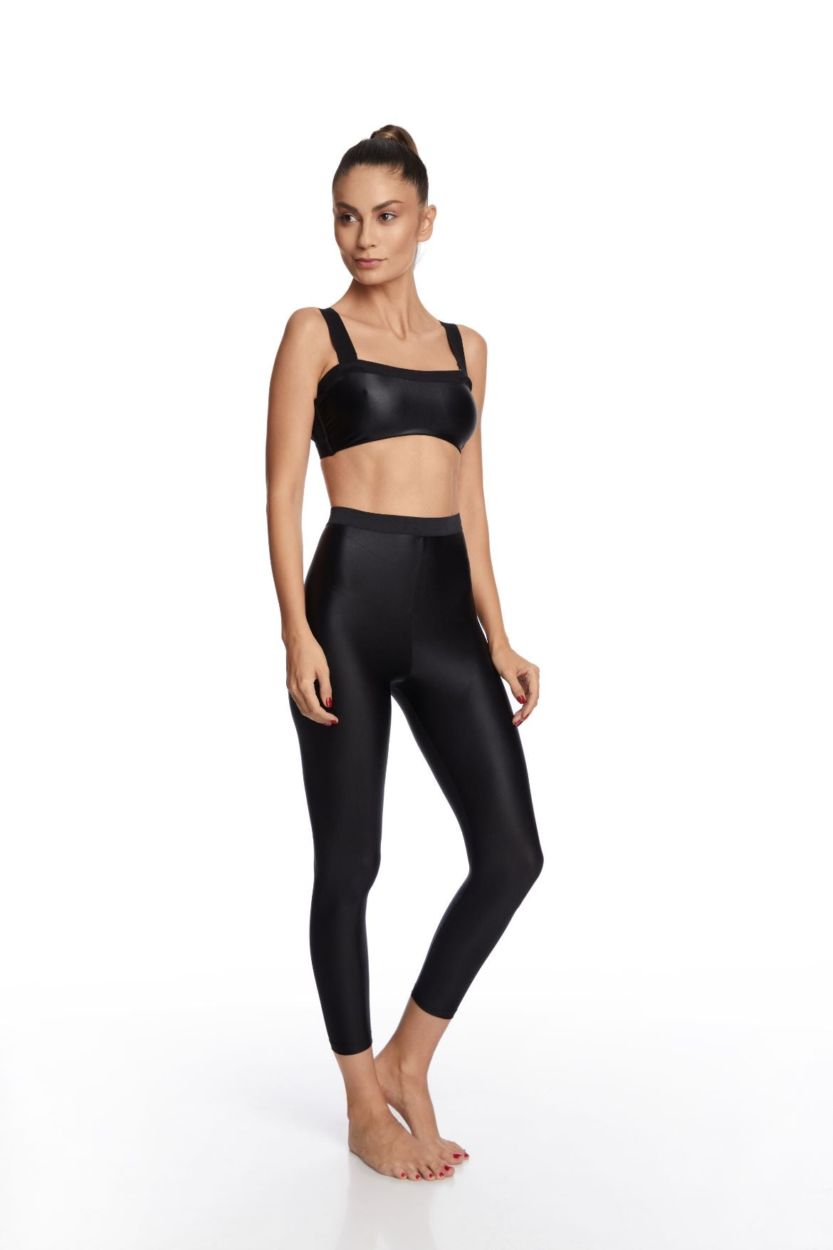 Feel Free Strap Sports Bra in Black - I.D. Sarrieri