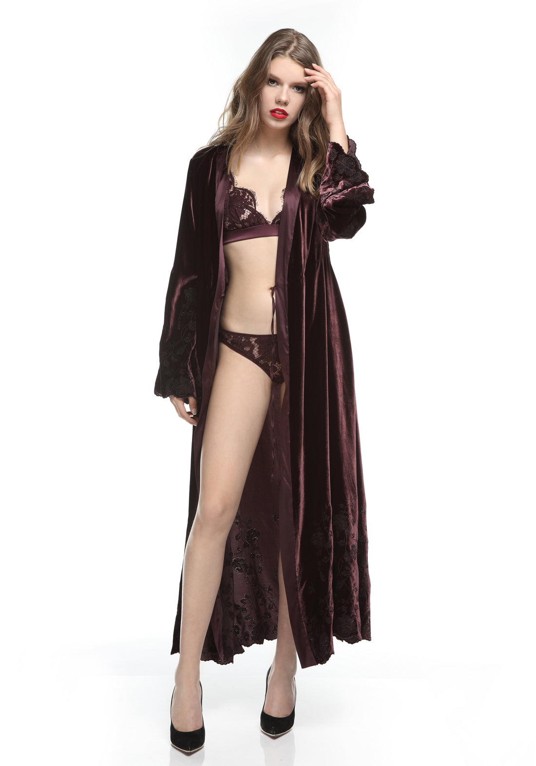 Nuits a Moscou Long Robe in Royal Berry