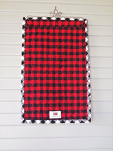 "Canadian Maple Leaf Flag Applique Wallhanging, Handmade Cotton Flannel Quilt, Mini Size, 15"" x 24"""