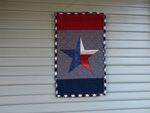 "Texas Star Applique Wallhanging, Handmade Cotton Flannel Quilt, Mini Size, 15"" x 24"""