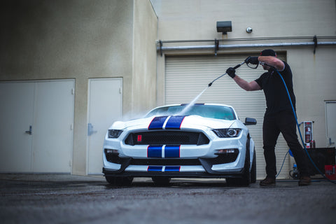 Rinsing Down Ford Mustang GT350R | Leno's Garage
