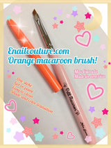 Petit Macaroon, orange brush (one stroke)