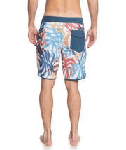 "Men's Quiksilver Highline Vacancy Scallop 19"" Boardshort"