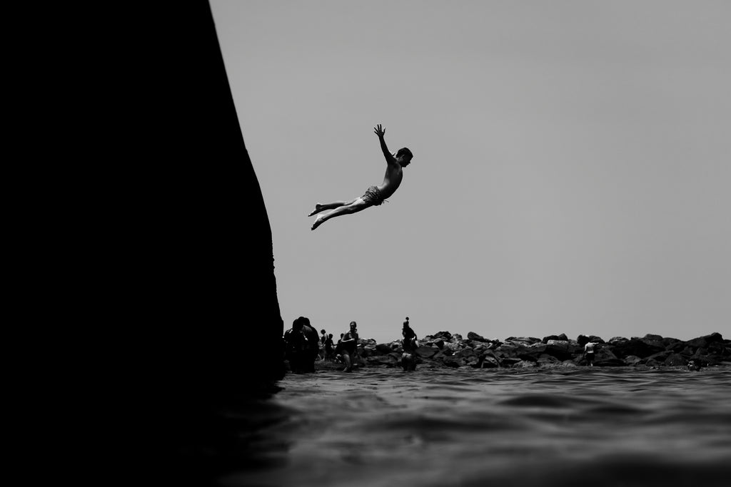 diving, summer, clovelly, black and white, beautiful, photo, print, prints, photography, design, interior, framing, styling, phresh