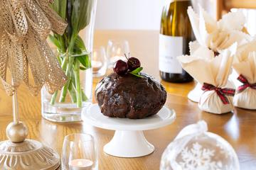 Newcastle Pudding Lady Traditional Christmas Pudding - Round In Cloth