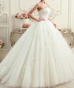Corset Back Strapless Ball Gown Wedding Dresses With Lace Appliques