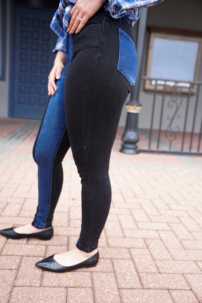 Vail Two Tone High Rise Skinny Jeans With No Destruction