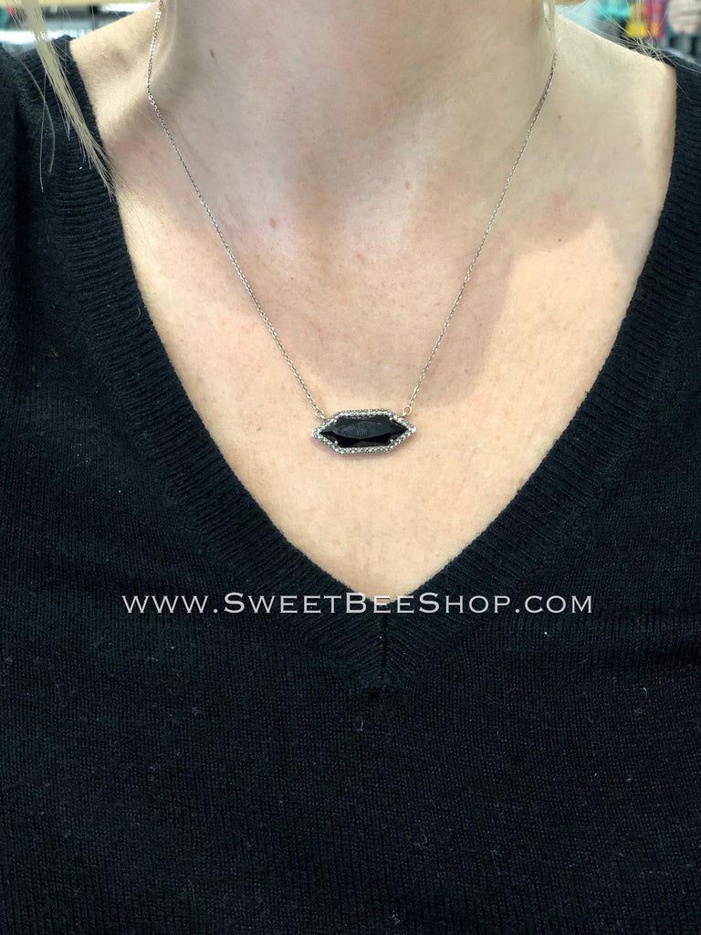 CosmoStyle Luna Dainty Spear Necklace, jewelry - Sweet Bee Boutique