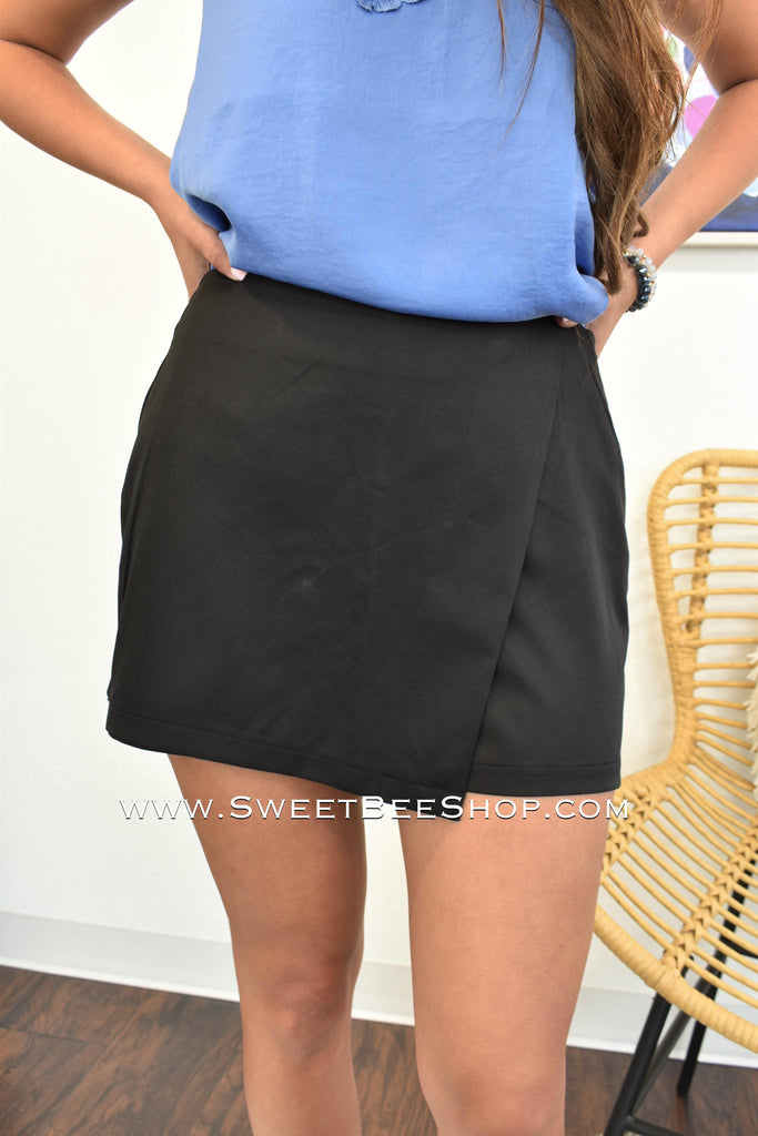 Black Woven Mini Skort, Bottoms - Sweet Bee Boutique