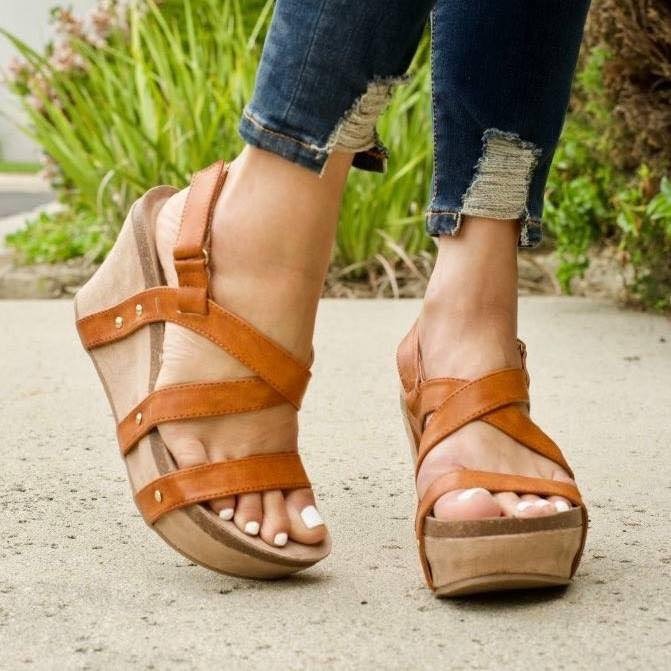 Laura Tan Wedge Shoes with Straps
