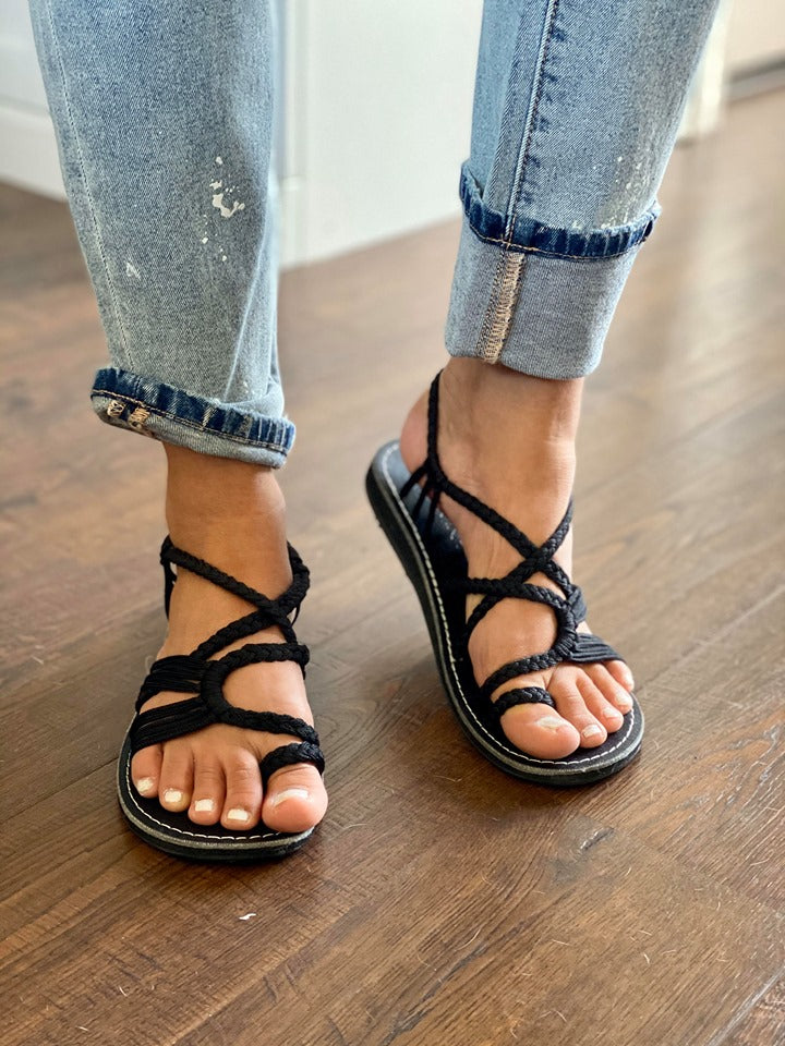 Plaka Oceanside Black Sandals
